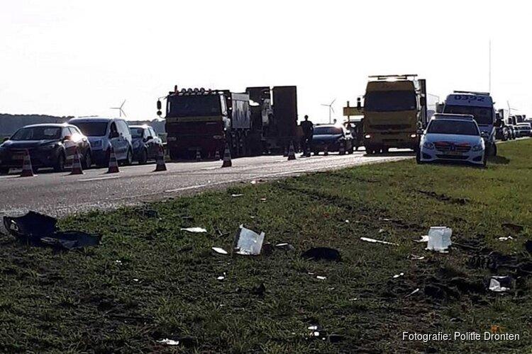 """Politie spot """"meerdere filmers"""" tijdens ongeluk A6"""