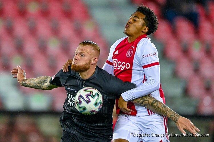 Almere City FC weer even aan kop na winst bij Jong Ajax